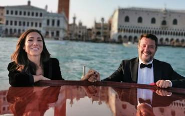 Piccioncini in Laguna. Salvini e la Verdini si baciano a Venezia – Il Tempo