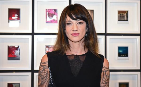 """""""Drogata e stuprata"""", Asia Argento accusa il regista Rob Cohen"""