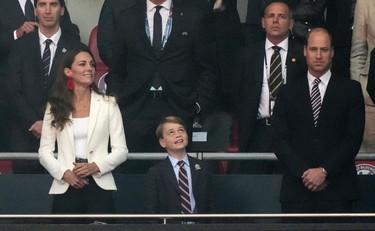 کودک جورج ، ویلیام و کیت: آنها دیگر نمی خندند.  و تصویر ویروسی است