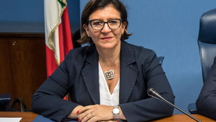 Thirty yes, but three hundred more.  Avoid the candidature of former minister M5s