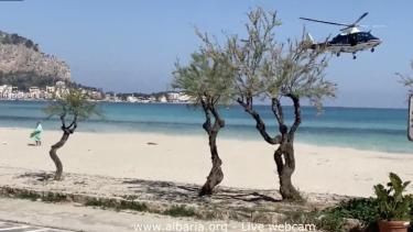 1586617834118.png--palermo__prende_il_sole_in_spiaggia__serve_l_elicottero_dei_carabinieri_per_mandarlo_via.png