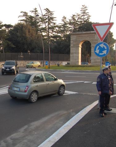 Per Decongestionare Il Traffico Inaugurata Rotatoria In Via Roma Il Tempo